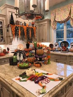 Easy Halloween Decorations, Halloween Home Decor, Halloween Food For Party, Halloween House, Holidays Halloween, Scary Halloween, Vintage Halloween, Halloween Crafts, Fall Decorations