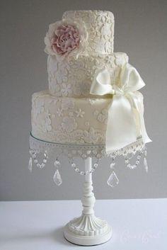 image of Fondant Wedding Cakes ♥ Vintage Wedding Cake Amazing Wedding Cakes, White Wedding Cakes, Amazing Cakes, Gorgeous Cakes, Pretty Cakes, Torte Rose, Cotton And Crumbs, Fondant Wedding Cakes, Cake Fondant