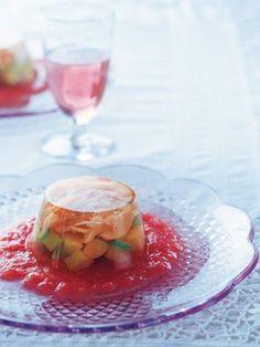 フランス料理は難しいなんて思っていませんか?コース料理に出てくるような逸品は意外なもので簡単にできてしまうのです。