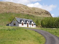 Cottage Cottage: 1 Bedroom, Sleeps 4 Vacation Rental in Oban, Isle of Mull Scottish Holidays, Holiday Apartments, World Leaders, Places To Go, Villa, Around The Worlds, Country Roads, Vacation, House Styles