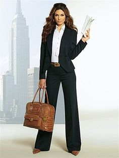 love suit the Love the suitYou can find Court attire women and more on our website Business Professional Outfits, Business Casual Attire, Professional Dresses, Business Dresses, Business Outfits, Office Outfits, Business Fashion, Office Wardrobe, Business Chic