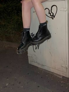 Soft Grunge, Grunge Style, Style Indie, My Style, Grunge Girl, Dr. Martens, Tokyo Street Fashion, Le Happy, Grunge Outfits