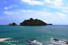 Birunya langit jernihnya air laut tapi Tapi belum tentu aman untuk berenang.tetap hati-hati  #calang #aceh #acehtourism #sumatra #indonesia🇮🇩 #medantourguide Travel Pictures, Tourism, River, Photo And Video, Instagram Posts, Outdoor, Travel Photos, Rivers, Outdoor Games