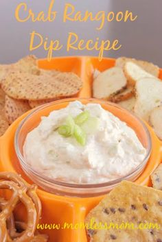 crab rangoon dip Lover of sea food? If you answered yes, read on! The yummy Crab Rangoon Dip Recipe will make your tummy very happy, I promise! Perfect for your game nights, this Crab Dip Recipes, Seafood Recipes, Dessert Recipes, Fall Recipes, Summer Recipes, Recipies, Guacamole, Hummus, Crab Rangoon Dip