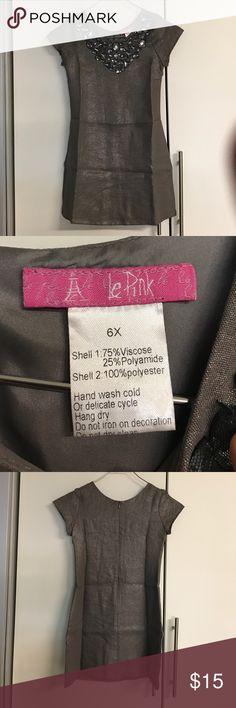 Little girl metallic dress sz 6X Worn once for wedding. Le Pink Dresses Formal