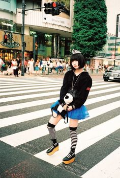 Human Poses Reference, Japanese Drawings, Japan Girl, Harajuku Fashion, Japanese Fashion, Hipster, Kawaii, Womens Fashion, Cute