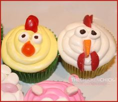 Farm animal cupcakes, chick and rooster
