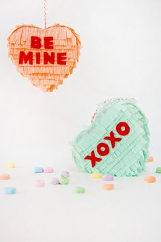 VALENTINE'S DAY DIY IDEAS: Conversation Heart Piñatas