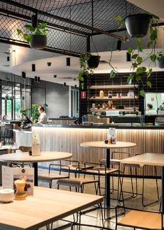 Vertical bar cladding raw wood but elegant Coffee Shop Interior Design, Coffee Shop Design, Bar Interior, Restaurant Interior Design, Cafe Design, Küchen Design, Industrial Restaurant Design, Small Restaurant Design, Industrial Cafe