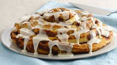 Pillsbury Cinnamon Rolls make lazy weekends extra cozy. Serve them hot out of the oven as-is, or try an easy new twist with our favorite recipes that all start with Pillsbury Cinnamon Rolls. Bakery Recipes, Brunch Recipes, Breakfast Recipes, Easter Recipes, Summer Recipes, Breakfast Bake, Breakfast Ideas, Diet Recipes, Chicken Recipes