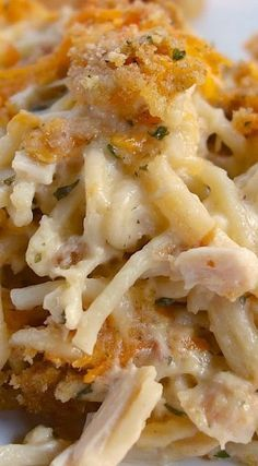 Cheesy Chicken Spaghetti Casserole Made this for Jacob. 1 and several single serving casserole dishes frizen for later. Chicken Spaghetti Casserole, Cheesy Chicken Spaghetti, Cheesy Chicken Casserole, Chicken Soup, Chicken Spaghetti Recipe Paula Deen, Leftover Chicken Casserole, Chicken Rice Bake, Turkey Spaghetti, Amish Chicken