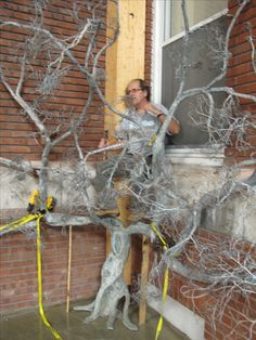 The making of Wire Trees, Art Forms, Projects, Color, Log Projects, Colour, Colors