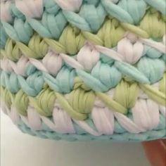 ― Т-ПРЯЖА: живые МК и видеоурокиさん( 「Давно не делилась с вами узорами Video by . Crochet Stitches, Crochet Patterns, Yarn Bag, Crochet Videos, T Shirt Yarn, Diy Crochet, Handmade Bags, Merino Wool Blanket, Decoration