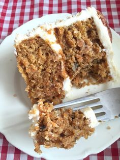 This would be so PERFECT for a family lunch! A recipe for a moist, soft and delicious two-layer Carrot Cake covered in foolproof Marscapone Cream Cheese Frosting. Easy, and no mixer required!