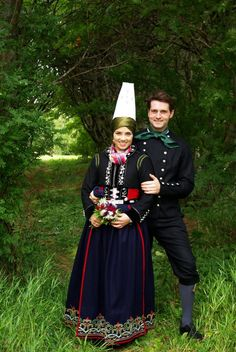 Just married, Iceland...  Scythian-looking headdress and Circassian-ish garb - Caucasian