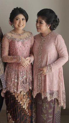Model Kebaya Muslim, Model Kebaya Brokat Modern, Dress Brokat Muslim, Kebaya Modern Hijab, Kebaya Hijab, Kebaya Dress, Traditional Dresses Designs, Traditional Gowns, Kebaya Jawa