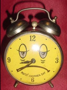 Vintage Alarm Clocks, Radios, Paint, Nostalgia, Watches, Picture Wall, Paintings, Draw, Color