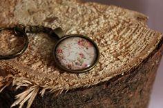 Cabochon Schlüsselanhänger - Rose von Le petit bouton auf DaWanda.com