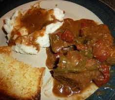 We are big meat and potatoe fans. Add gravy to it and we are in heaven. This is a very filling and warm recipe. Crockpot Recipes, Cooking Recipes, Swiss Steak, Warm Food, Beef Dishes, Gravy, Main Dishes, Low Carb, Potatoes