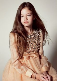 Not ashamed to admit it, we're super excited about the last Twilight movie :D And we love this little one's style