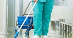 Παράταση συμβάσεων για τους εργαζόμενους στην καθαριότητα, στο δημόσιο και στους ΟΤΑ