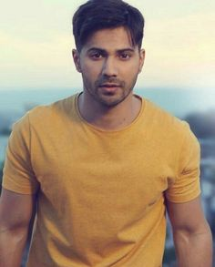 Varun dhawan images networth Varun Dhawan (brought into the world 24 April is an Indian performing artist. Bollywood Couples, Bollywood Stars, Bollywood Celebrities, Varun Dhawan Wallpaper, Alia Bhatt Varun Dhawan, Alia And Varun, Ideal Man, Cute Actors, Men's Clothing