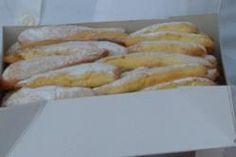 BIZCOCHOS DE SAMOS La receta de estos bizcochos salió del monasterio de San Juan hace más de 250 años. Todavía hoy, se siguen haciendo como antaño y son muy demandadas por quien las han degustado. Los postres que ofrecen los hosteleros del pueblo son en su gran mayoría caseros