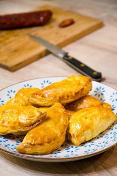 Petits feuilletés chorizo & Kiri, à tester à l'apero ! #kiri #recette #apero #aperitif #kids #food #creamcheese #fromage #chorizo #yummy #enfant
