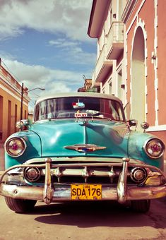 Legal Travel to Cuba for Americans! ---> http://www.mappingmegan.com/legal-travel-to-cuba-for-americans/
