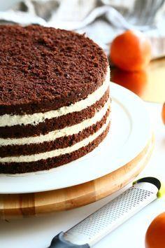 Raikas appelsiinimousse ja suklaakakkupohja ovat täydellisiä yhdessä Finnish Recipes, Party Buffet, Cake Cookies, Vanilla Cake, Mousse, Bakery, Deserts, Goodies, Brunch