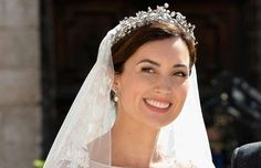 PRINCESS CLAIRE OF LUXEMBOURG The princess wore the family's Vine Leaves tiara for her wedding in 2013 wedding. Its leafy motif includes diamonds and is set in yellow gold and silver. Vides, Royal Jewelry, Royal Weddings, Fashion 101, Belle Photo, Perfect Wedding, Wedding Day, Hair Color, Jewels