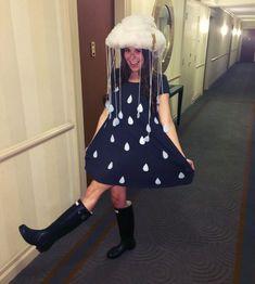 Halloween Kostüm: Regenwolke - New Ideas Diy Halloween Costumes For Kids, Homemade Halloween, Cool Costumes, Costumes For Women, Halloween Party, Halloween 2019, Cheap Costume Ideas, Creative Costumes, Rain Cloud Costume