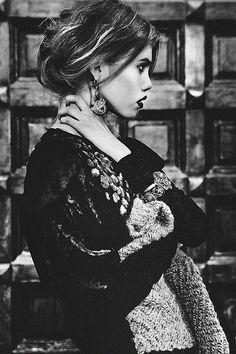 Conceptual Portrait Photography by Ekaterina Belinskaya | Cruzine