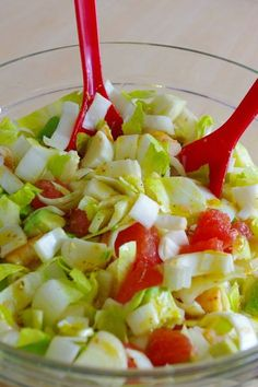 and fruity salad . - My little gourmet bubble - PERSO - Cuisine -Gourmet and fruity salad . - My little gourmet bubble - PERSO - Cuisine - Winter Fruit Salad with Lemon Poppy Seed Dressing Raw Food Recipes, Healthy Dinner Recipes, Salad Recipes, Snack Recipes, Caprese Salat, Asian Snacks, Safe Food, Quiche, Entrees