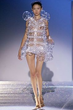44d6f3c567 Hussein Chalayan Spring Summer 2007 Ready-To-Wear