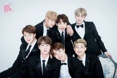 BigHit Entertainment releases official notice after overzealous fans bring harm to BTS in airport disorder! | Koogle TV