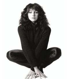 Kate Bush, 1980 (Patrick Lichfield) simply stunning adolescent crush in the early Music Icon, Female Singers, Record Producer, Rock Music, Music Artists, Beautiful People, Beautiful Ladies, Celebrities, Beauty