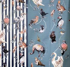 so many different amazing wallpaper prints in this blog post from designsponge. i want them all!