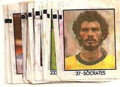 1982 figurinhas de chiclete, tinha a foto de todos os jogadores do Corinthians, aí perdi o interesse e passei a colecionar papel de carta