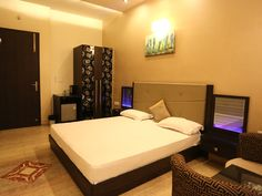 Have a memorable beautiful trip to Agra Taj Mahal in pocket friendly budget with luxury rooms at Hotel Bhawna Palace. To book now, Call at +91 9837849264 or book online- http://www.hotelbhawnapalace.in