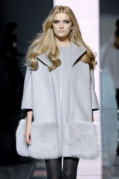 Versace at Milan Fashion Week Fall 2007 - Runway Photos
