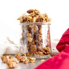 Peanut Butter Ingredients, Peanut Butter Fat Bombs, Peanut Butter Oatmeal, Almond Butter, Vegan Oatmeal Cookies, Oatmeal Cookie Recipes, Oatmeal Chocolate Chip Cookies, Vegan Gluten Free Desserts, Paleo Vegan