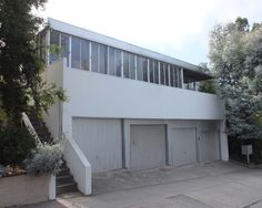 Charles and Ray Eames first home in Los Angeles, The Strathmore Apartments, by Richard Neutra