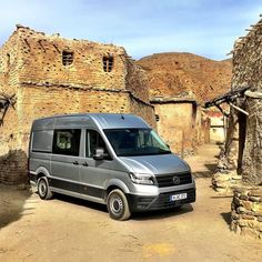 The all-new VW Crafter at the Game of Thrones set in Spain. #gameofthrones #vwcrafter #vwvans #crafter #vans #instacars #cars #quickcarreview @volkswagen @vwcommercial @vw__lifestyle #vwtransporter