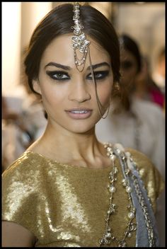 You may remember the beautiful Chanel Bombay collection which celebrated all things India inspired. There is actually also a makeup collection created for the show.