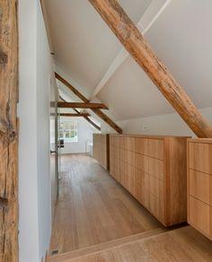 Originele houten dakstructuur - kasten op zolder