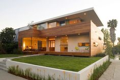 los angeles modern house | This is not the house that I toured, but it looks pretty similar in ...