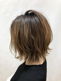 Messy Blonde Bob with Lowlights - 60 Best Short Bob Haircuts and Hairstyles for Women in 2019 - The Trending Hairstyle Choppy Bob Hairstyles, Short Bob Haircuts, Cool Hairstyles, Messy Blonde Bob, Blonde Hair, Cabelo Ombre Hair, Wavy Bob Long, Glamorous Hair, Trending Hairstyles