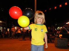 Fã de Neymar, menino alemão reforça torcida brasileira pelo hexa em BH Brasil e Alemanha se enfrentam em BH e disputam vaga na final da Copa. Kimo, de 5 anos, quer ser jogador e sonha em vestir a amarelinha.