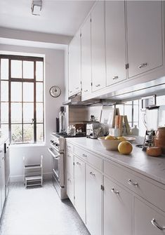 Kitchen in Thomas O'Brien's Upper East Side Apartment, from American Modern by Thomas O'Brien Interior Design Pictures, Interior Design Books, Galley Kitchens, Cool Kitchens, White Kitchens, Kitchen Dining, Kitchen Cabinets, Dining Rooms, Updated Kitchen